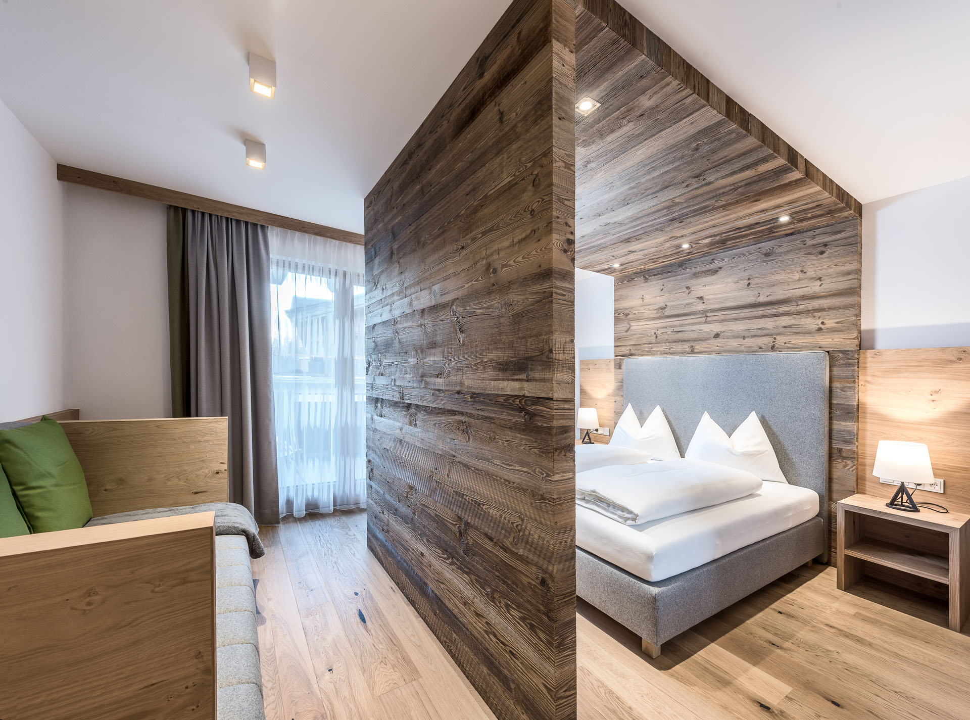 impressionen vom puradies hotel chalets in leogang. Black Bedroom Furniture Sets. Home Design Ideas